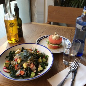 kalesalad-avocado-oliveoil-flaxandkale